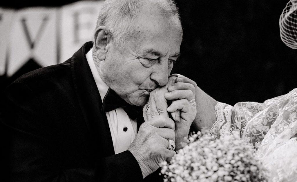 Anniversario Di Matrimonio Materiali.Anniversari Di Matrimonio A Ogni Festa Il Suo Materiale E Il Suo